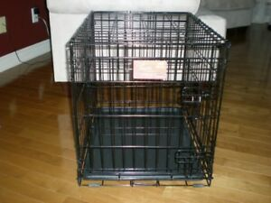 LIFESTAGES MODEL 1624 DOG CAGE / KENNEL FOR SMALL DOGS 11 - 25 L