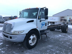 2005 international 4300 cab and chassis