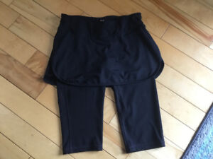 New Old Navy Active Size Small Capris