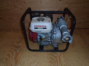 Pompe HONDA model WB20XT presque neuve servie une seul fois