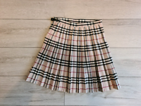 Vintage girls burberry skirt. Age 14 years