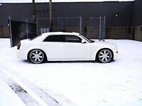 Chrysler 300 luxe NO TAXE. LOw km !