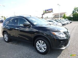 2016 Nissan Rogue AWD 4dr SV w/Moonroof,  & Technology Package