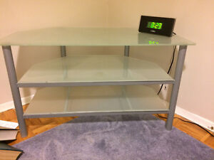 FREE FLATE SHEETS WITH BUYING TV TABLE ( VALUE OF 10.00)