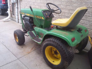 ***John Deere 212 Lawn Tractor and Cutting deck***