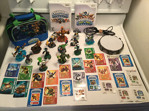 Wii Skylanders Spyro Adventure+Swap Force-12 figurines-sac...60$