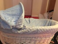 Moses basket and baby bath £10 for both need gone!
