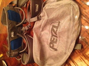 MINT Condition Petzl CORAX 1 Unisex Harness for Rock Climbing