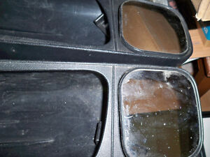 TOWING MIRRORS FITS MOST TRUCKS WITH ROUNDED MIRRORS Stratford Kitchener Area image 2