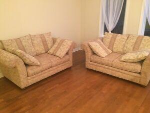 Livraison possible - Causeuses / divans (2) très confortables