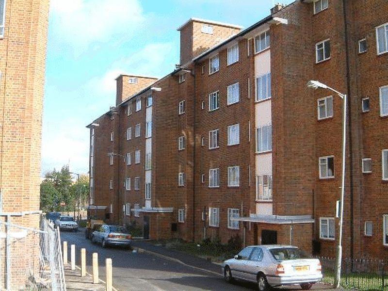 5 bedroom flat in Whitnell Way, London, SW1