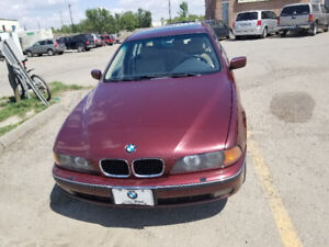 2000 BMW 528 i, Low km, active, burgundy, one owner,