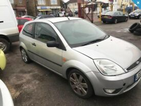 2004 fiesta silver 1.4 limited edition leather seats sports exhaust- years mot