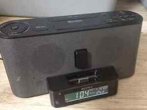 Sony iPhone 4 Dock + FM/AM Clock Radio