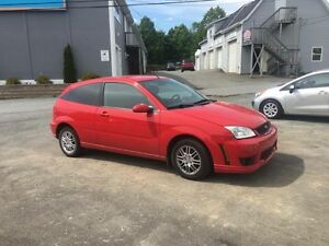 2007 Ford Focus Zx3 5 speed!