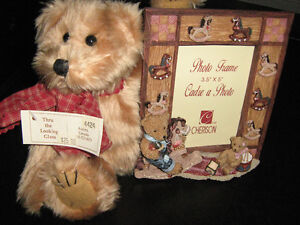 NEW Baby Picture frame with Stuffed Bear attached Kitchener / Waterloo Kitchener Area image 1