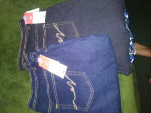 BRAND NEW LADIES JEANS . SIZE 16 2 pairs $10 Fcfs