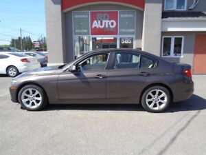 BMW 3 Series  328i xDrive AWD** 2013 // 87 $ PAR SEM