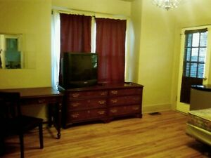 Room $265/mth heat electric, cable, wifi