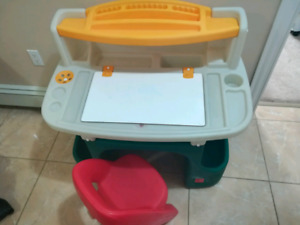 Kids Art/drawing and strorage desk