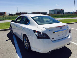 """""""2012 Nissan Maxima SV Fully Loaded, Low Milage, Excellent Shape"""