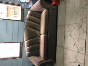 Couch pull out bed
