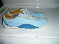 """"" ROCKPORT """" -----blue shoes, like NEW ----- size 7.5 / 8  US"