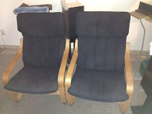 2 Ikea recliner black and maple chairs 20$ each