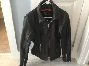 Ladies' leather motorcycle jacket. Excellent condition!
