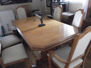 Solid Oak Dinning Room Set Barrie 600 Or BO
