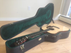 Martin Dreadnought D-16GT Acoustic Guitar with Case