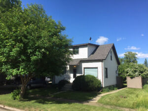 Home looking for a new family 2 LOVE 4 Sale by Owner Hay Lakes