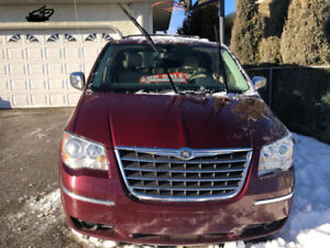 2009 VAN- Chrysler Town & Country LIMITED