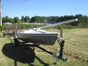 16' FIBERGLASS SAILBOAT WITH LIKE NEW TRAILER - READY TO SAIL!!!