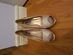 Gold Sparkly Heels Size 9.5