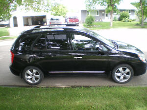 2009 Kia Rondo loaded SUV, Crossover
