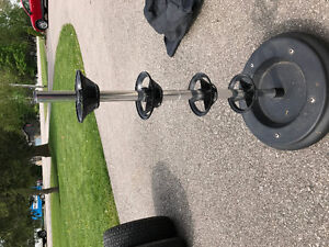 Tire stand Complete with cover