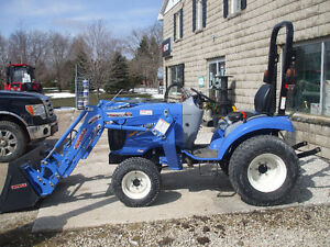 Basically Brand new only 2 Hours Newholland Boomer 24