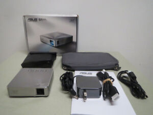 New ASUS ShortThrow Mobile LED Projector HDMI 30000 Hour Battery