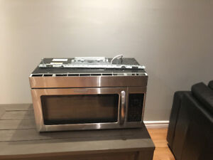 Microwave over stove mount: KitchenAid stainless steel