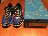 Brooks adrenaline GTS 17 running shoes almost new