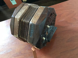 Vintage Concertina from 1946, needs TLC