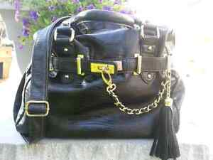 Steve Madden Chain Me Up Neptune Tote with free perfume  samples