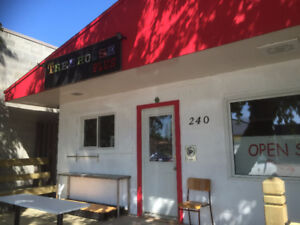 Ice Cream store in a Beautifull Tourist Town for sale or lease