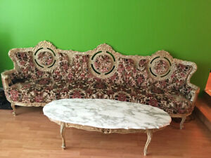 Antique sofa Victoria style for sell