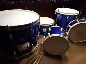 Drum Kit / Ensemble de batterie