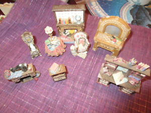 Doll House Moulded Miniatures - Parlour furniture