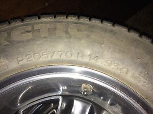 4 Michelin tires 205-70r14