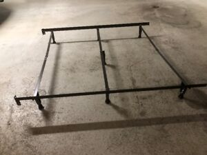 adjustable steel bedframe with rubber feet,up to queen size