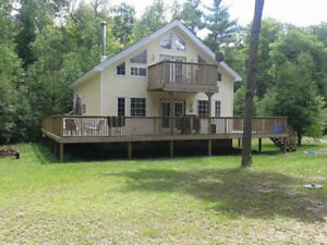 September ..Cottage for rent on Big Beautiful lake Missasagagon